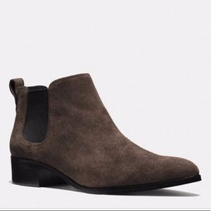New without tags coach Suffolk suede booties 7.5
